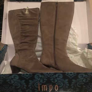 New Impo taupe / lt gray boots - size 8.5
